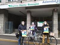 """Ma che freddo Fa? Dai pedala! """" A SCUOLA E IN SALUTE!#PRIMALABICI. Andare a scuola in bici fa bene alla salute"""": l'iniziativa di ciclisti e pediatri di Ferrara"""