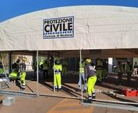 Vaccinazioni Modena: grazie alla Protezione civile montata una nuova tensostruttura all'hangar