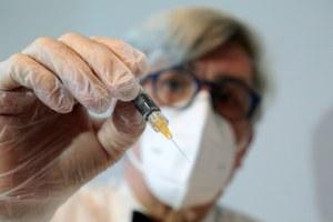Coronavirus, a Bologna si vaccina anche di sera, fino alle 22