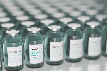 Da stamattina già oltre 94 mila persone fra gli 80 e gli 84 anni hanno prenotato la vaccinazione anti-Covid